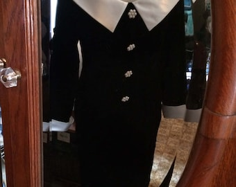 Vintage Donna Ricco New York Black Velvet Dress size 8