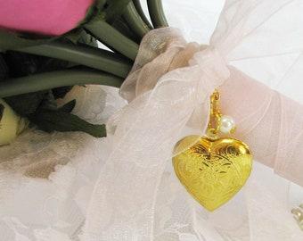 Brides Bouquet Locket, Gold Bridal Bouquet Locket, Bouquet Locket