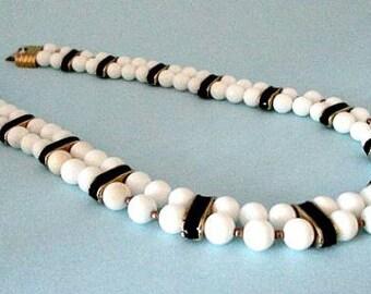 Black White Bead Vintage Necklace Jewelry - 1080's jCostume Jewelry