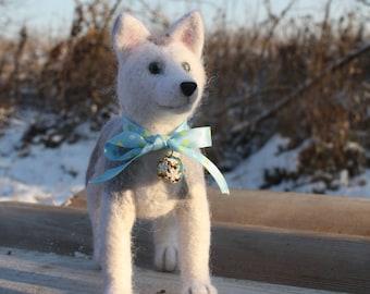 Husku puppy (felted dog, toy)