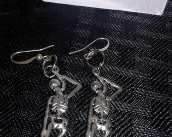 Halloween sleketon hanging earrings