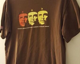 FREE SHIPPING in usa // Che Guevara t-shirt // Cuba // Medium