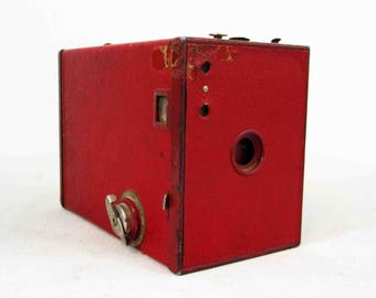 Vintage Kodak Brownie No. 2 Model F Box Camera in Red. Circa 1920's - 1930's.