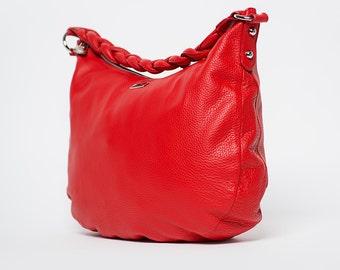 Handbag shoulder or saddle / Spain/ full grain leather/ red