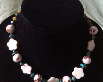 Flower beaded necklace and bracelet