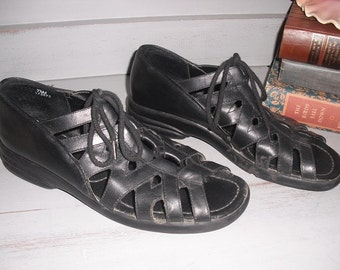 vintage Gladiator style Paces Black Leather Comfy open Toe Lace ups Size 7 1/2