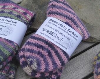 Kids' knitted socks