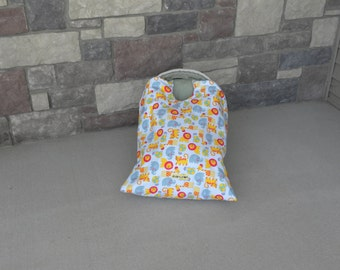 car seat blanket, car seat cover, zoo Snug L Bee, infant carrier blanket, baby carrier blanket, travel blanket, winter travel, baby gift
