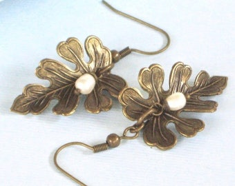 Brass Leaf Earrings - Pearl Earrings, Leaf Jewelry, Oak Leaf, Nature Jewelry, Botanical Jewelry
