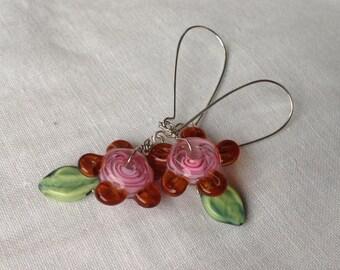 oO CLEMATIS Oo lampwork flower earrings