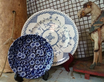 vintage blue white plate / blue white china dish / vintage blue white dish / vintage blue white plate / english blue white plate