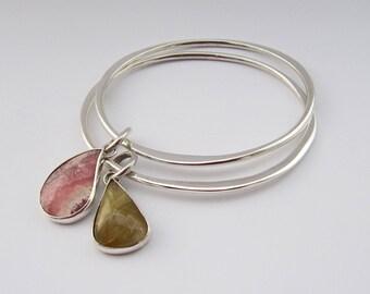 Memento - sterling silver wavy gemstone bangle (1), one bangle, silver golden rutilated quartz bangle, golden rutile everyday simple bangle