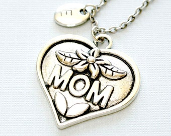 Mom Necklace,Mother's Day Necklace, Mom Jewelry,Heart Necklace, Initial Pendant, Personalized Gift for Women, Stamped Jewelry, Monogram