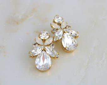 Gold Bridal earrings, Crystal Wedding earrings, Bridal jewelry, Swarovski earrings, Stud earrings, Crystal earrings, Vintage style Wedding