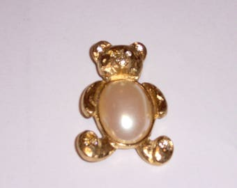 Richelieu Jelly Belly Bear Pin
