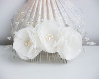 Ivory flower hair comb wedding hair accessory Bridal Hair accessories Ivory hair comb bridal hair comb Headpiece floral hair comb
