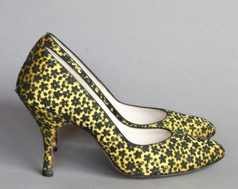 Vintage 50's Mr. Marty Custom Made Embroidered Pumps | 7