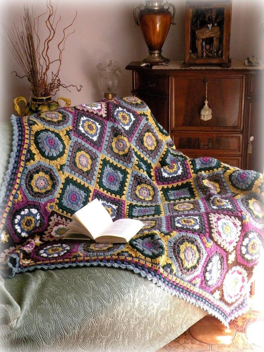 Top Coperta di lana con mattonelle lavorate all'uncinetto FV55
