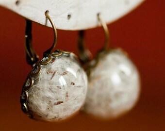 Earrings of real dried flowers of Dandelion - Vintage Jewelry Boho botanical - Hand hemisphere glass 20mm