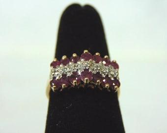 Women's Vintage Estate 10K Yellow Gold Ring w/ Diamonds and Garnets, 2.3g E3009