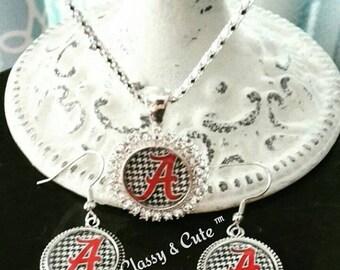College Team Necklace Set