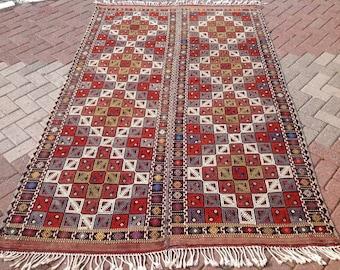 Lovely embroidered kilim rug, Vintage Turkish kilim rug, dowry rug, small area rug, kilim rug, vintage rug, bohemian rug, bathroom rug, 655