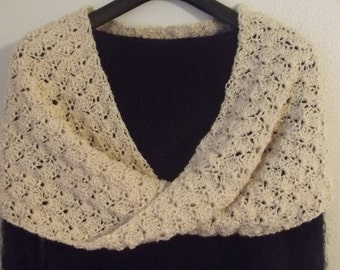 Mobius/Cowl- Aran with a splash of gold