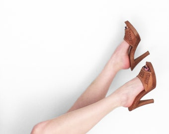 70s LEATHER Mules Latinas US Size 8 Wood Honey Brown Open Toe Heels