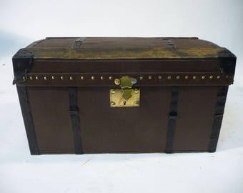 Canvas doll trunk B369