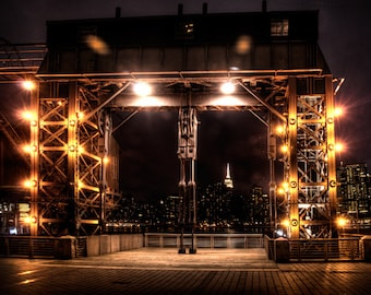 LIC New York night sky line Gantry