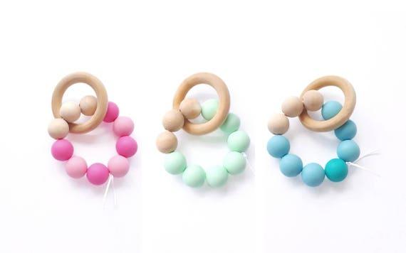 bracelet hochet de dentition perles bois et silicone produit. Black Bedroom Furniture Sets. Home Design Ideas