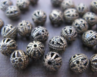 20 filigree round beads 6 mm bronze-
