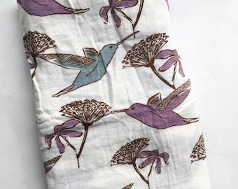 Organic Hummingbird muslin blanket, Organic blanket, Hummingbird muslin blanket, Swaddle blanket, Organic baby blanket, stroller blanket,
