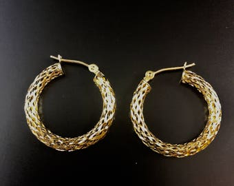 14K yellow gold hoop earrings, weight 1.6 grams