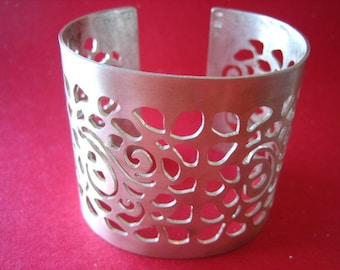 Field of Flowers Cuff