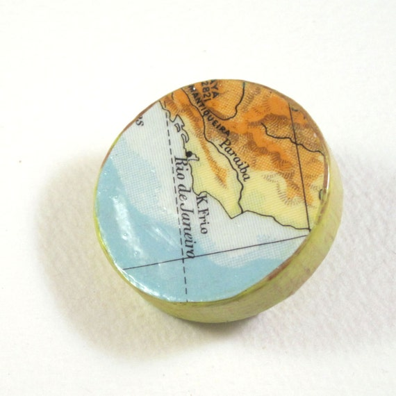 World map pin broche