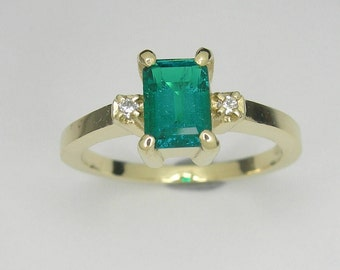 Emerald gold ring, Emerald and diamond gold ring