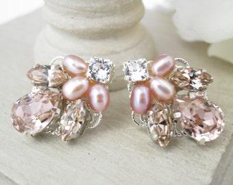 Pink crystal stud wedding earrings, Blush pearl bridal earrings, Vintage style rhinestone earrings, Bridesmaid earrings, Swarovski jewelry