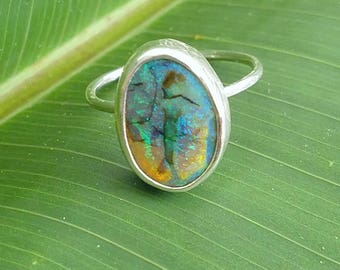 Monarch opal oval ring