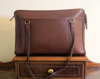 Dads Grads Sale Coach Shoulder Brief In Brown (Mahogany?) Leather With Brass Hardware Style No 5230- Made In United States - VGC