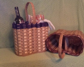Wine basket with handle