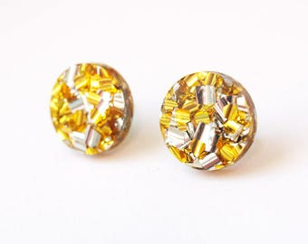 15mm Circle Stud Earrings in Gold Glitter Acrylic