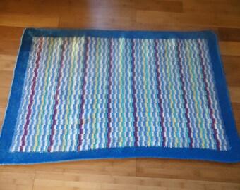 Petit Plaid bebe tricot; cadeau naissance, vintage 70's ; laine, fait main ; made in France