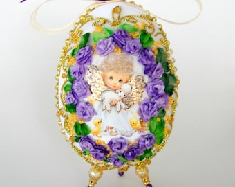 Easter egg embroidered with silk ribbon