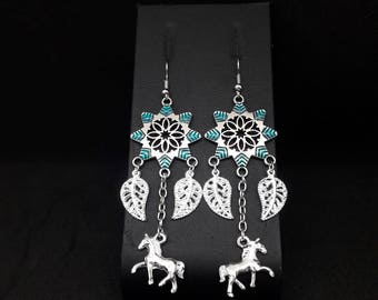 Chandelier earrings blue tips and pendant star horse and leaves