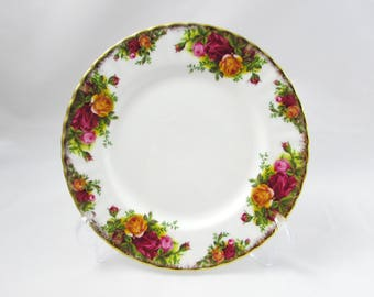 "Royal Albert ""Old Country Roses"" Luncheon Plate, Salad Plate, 8 Inches, Vintage Bone China"