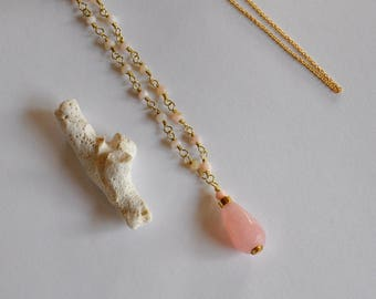 "Necklace and precious stones jade and pink opals with chain Gold: ""Behati"" model"
