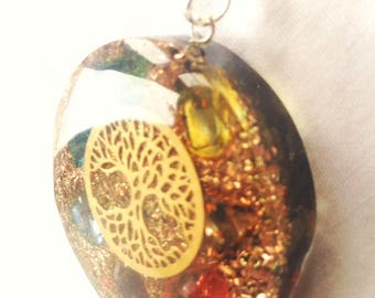 orgonite pendant made with pyrite, tourmaline and 7 sacred stones