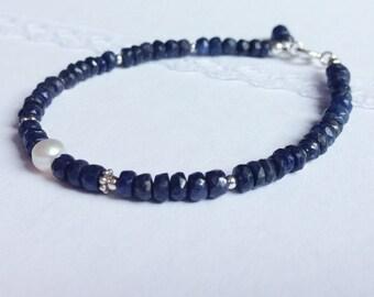 Dark Blue  Sapphire and Pearl Bracelet. Sterling silver. Natural Gemstones . Faceted Rondelle
