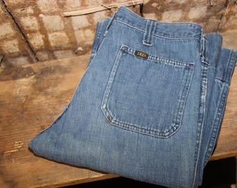 Vintage LEE jeans , 31 32 Waist Jeans , 70s Lee Flare Leg Jeans , Lee Mom Jeans , Vintage Lee , Oldschool Lee blue jeans , Lee Retro Jeans